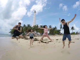 hopping islands belitung